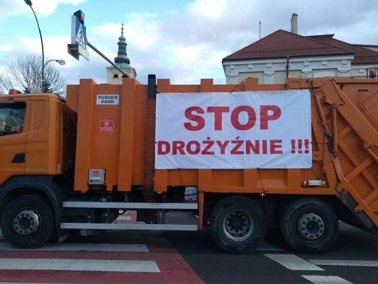 """""""Protest śmieciarek"""" w Rzeszowie [FOTO] - Aktualności Rzeszów - zdj. 14"""